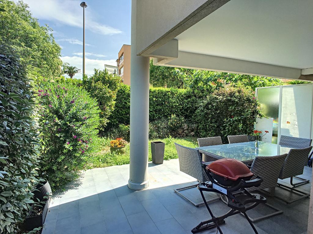 Stunning Rez De Jardin St Laurent Du Var Photos - House ...